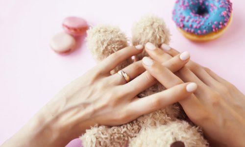 Manicure hybrydowy - 70 zł Uzupełnienie paznokci żelem - 100 zł